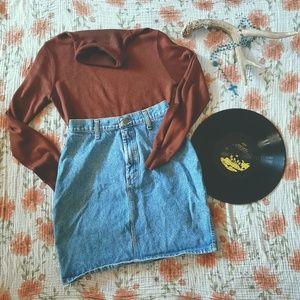 2/20🎈⚡Vintage Denim Skirt